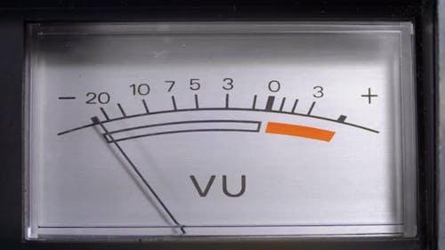 Analog Signal Indicator with Arrow