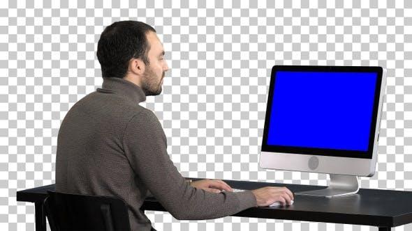Thumbnail for Geschäftsmann arbeitet mit einem Computer Alpha, Alpha Channel
