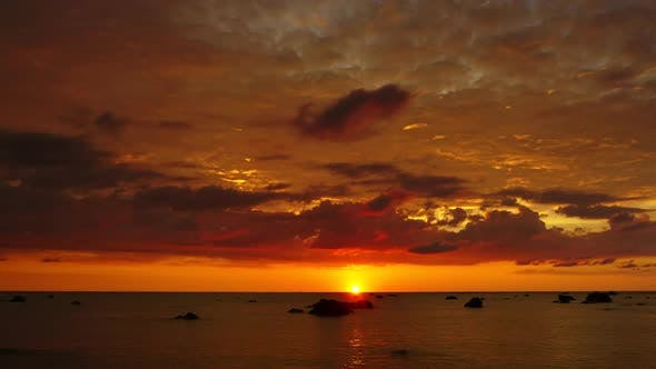 Thumbnail for Tropical Sea Sunset on Beach, Zoom in Timelapse