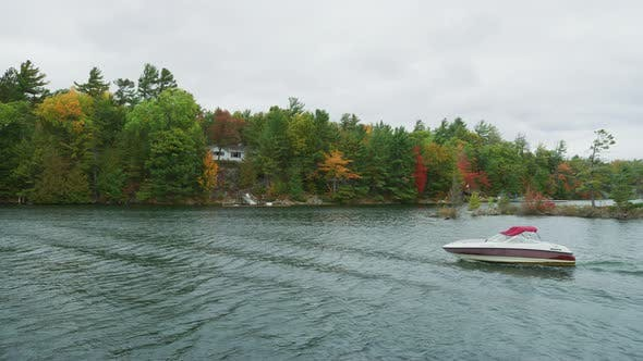 Sailing by the Thirty Thousand Islands