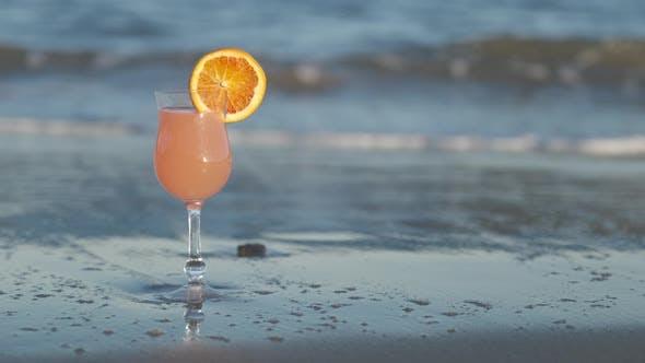 Tropischer Cocktail Sommerferien Konzept