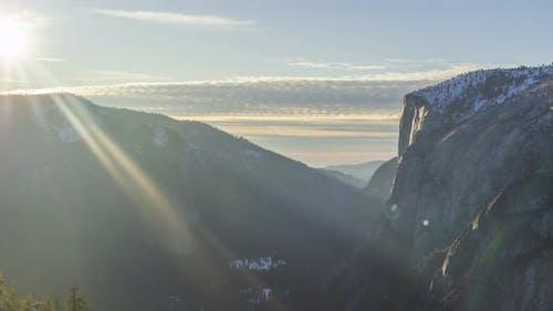 Yosemite-Tal bei Sonnenuntergang im Winter. Kalifornien, USA
