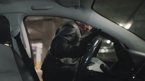 Gangster Flucht vor Ort des Verbrechens