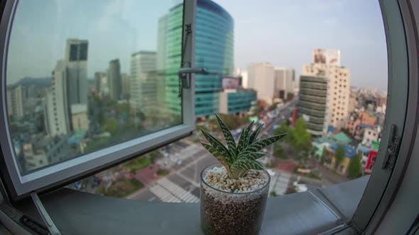 Zeitraffer von Busy Seoul City in Südkorea, Fensteransicht