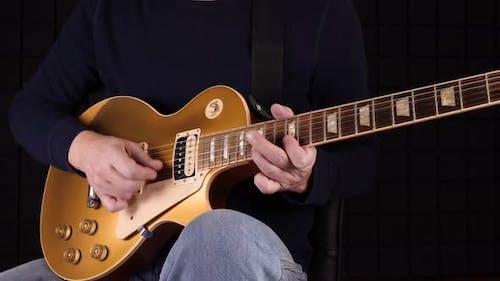 Guitar Solo In Studio