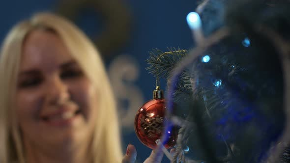 Thumbnail for Cheerful Family Hanging Ornamental Bauble