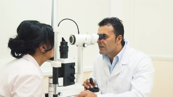 Thumbnail for An Experienced Doctor Looks at the Device for Testing the Patients Vision