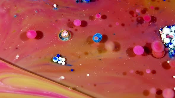 Thumbnail for Colorful Ink Spheres On Oil 20