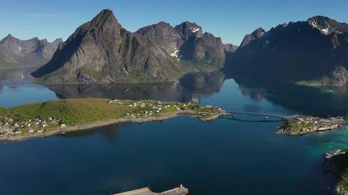 Reine Lofoten is an Фrchipelago in the Сounty of Nordland, Norway