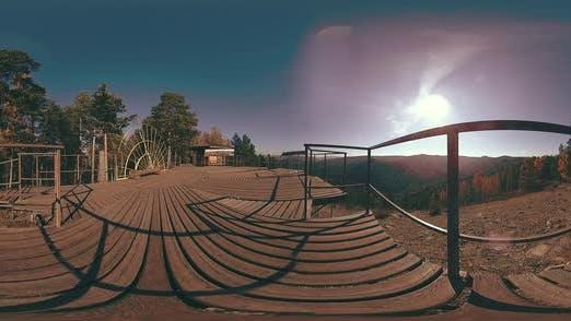Thumbnail for 360 VR Virtuelle Realität einer schönen Bergszene zur Herbstzeit, wilde russische Berge