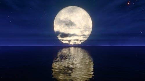 Full Moon on Horizon