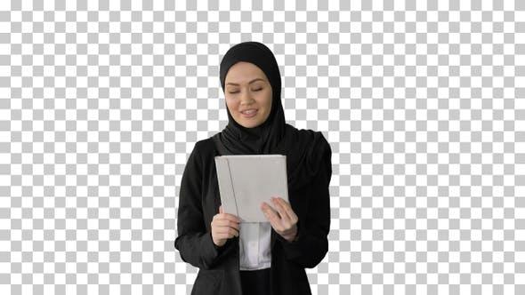 Thumbnail for Cute Arabian businesswoman using tablet, Alpha Channel