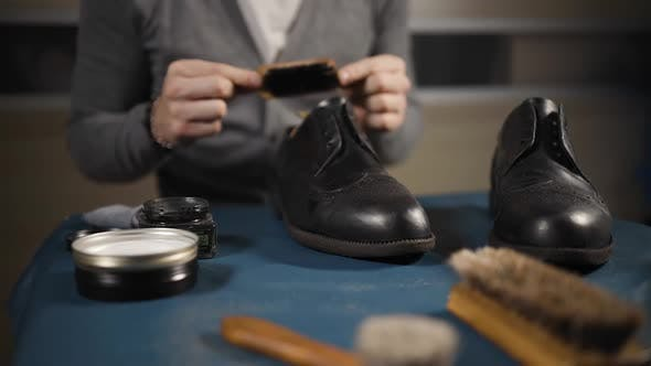 Male Cobbler Explains How To Care for Shoes