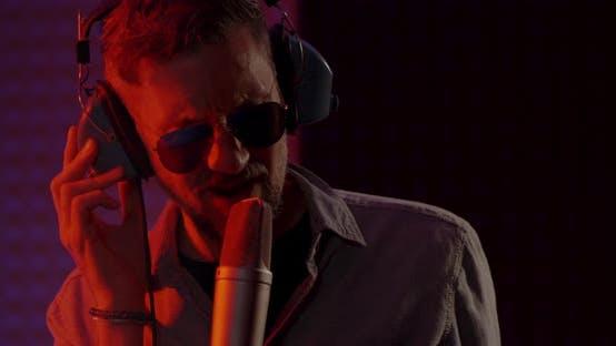 Thumbnail for Singer Records in Studio
