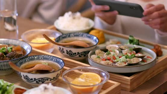 have meal in Taiwanese restaurant