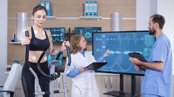 Thumbnail for Scientist in Sport Industry Checking the Cardio of Female Athele