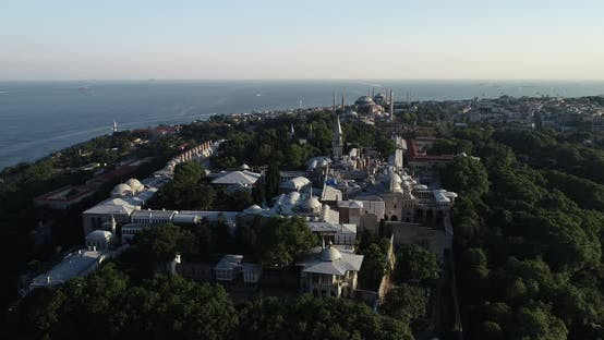 Thumbnail for Istanbul Topkapi Palace And Historical Peninsula Aerial View