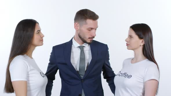 Cover Image for Businessman Posing with Women