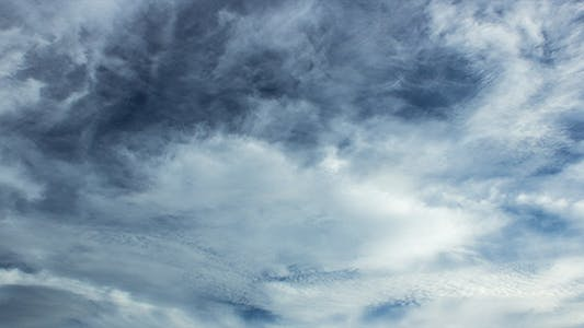 Cover Image for Layered Tropical Cloud Time Lapse