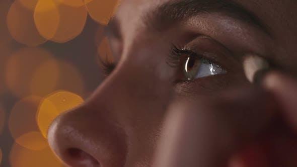 Thumbnail for Doing Glowing Eye Makeup
