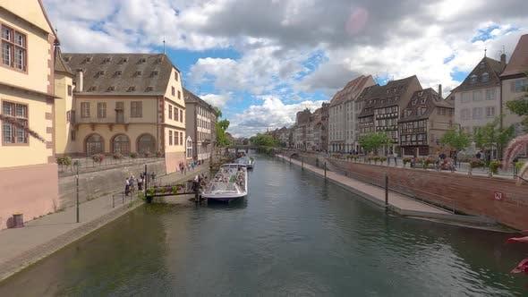 Time Lapse of Strasbourg tourist river cruise