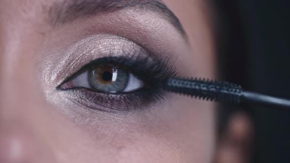 Thumbnail for Macro Footage of Putting on Mascara
