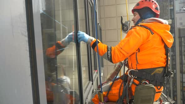 Glass Washer Working at High Altitude Close Up