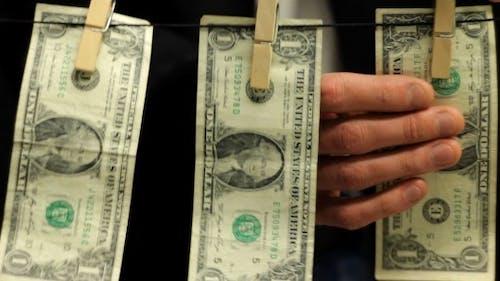 Geschäftsmann Wäsche schmutzig Geld