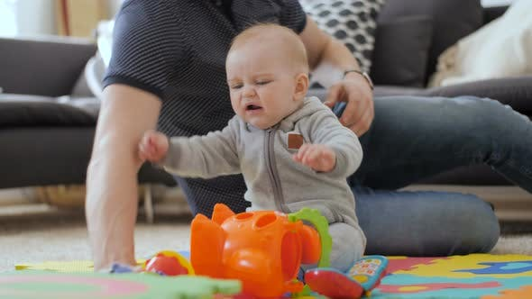 Cover Image for Baby Unsatisfied With Toys