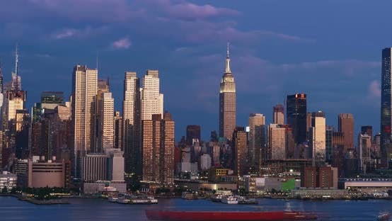 Cover Image for Sunset of midtown Manhattan