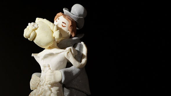 Thumbnail for Wedding Cake Figurines Kiss 2