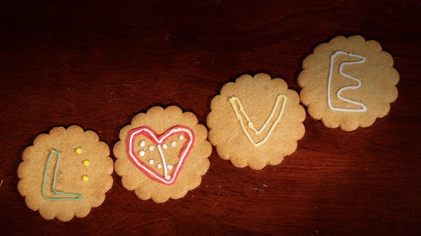 Thumbnail for Drawing on Ginger Cookies