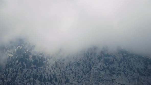 Cover Image for Fast Clouds Among Rocky Mountains