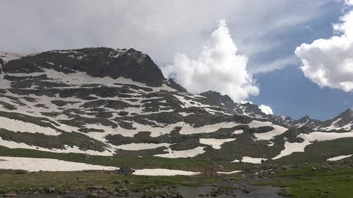 Stream and Alpine Meadow Climate in High Mountain Topography