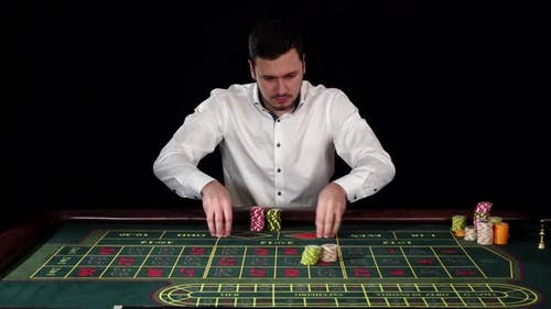 Guy Bets in Roulette