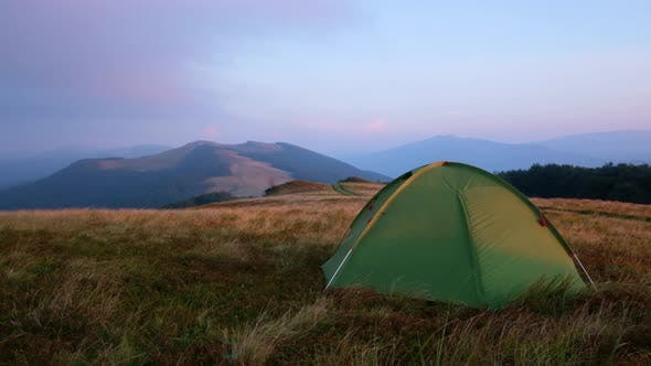Cover Image for Tent on Autumn Mountains