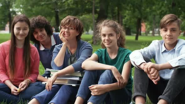 Cover Image for Students with Teacher in Park