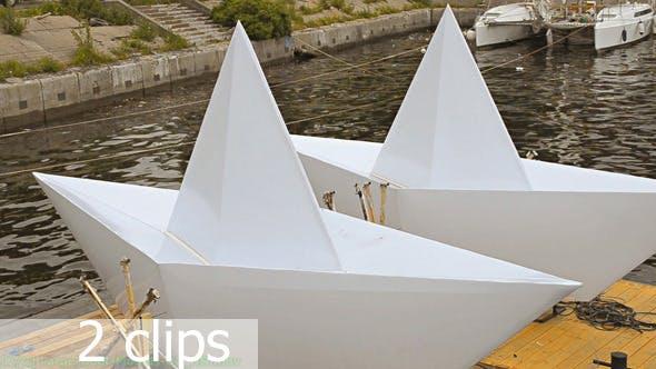 Thumbnail for Große Boot Modelle auf dem Fluss