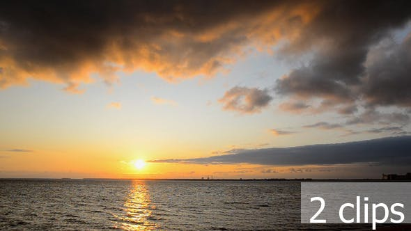 Cover Image for Thunder Clouds at Sunset in Sea