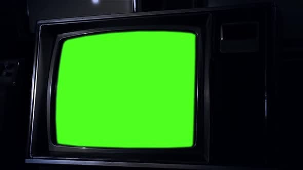 Thumbnail for Vintage Tv Green Screen in the Night. Zoom In.