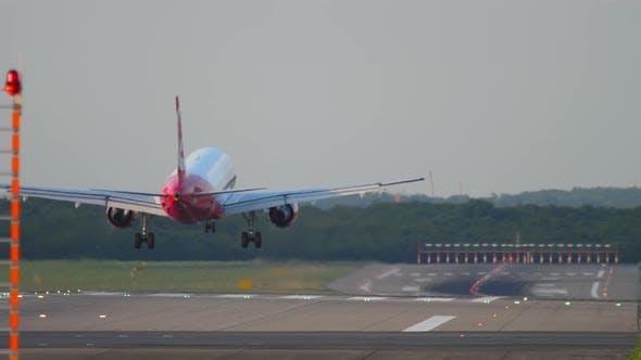 Thumbnail for Airplane Landing in Dusseldorf