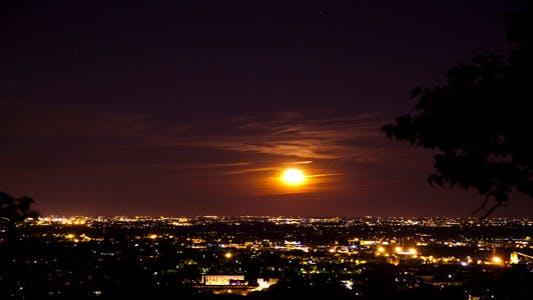Thumbnail for Moonrise Over City