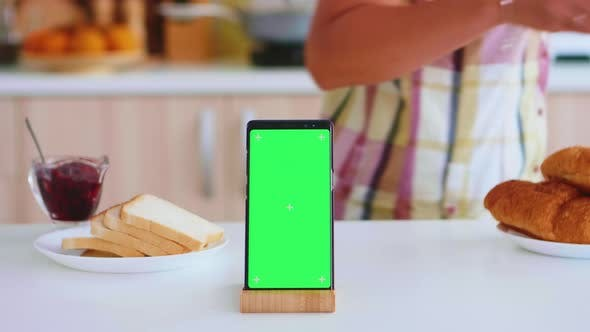 Thumbnail for Close Up of Phone with Green Screen
