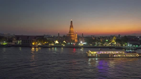 Thumbnail for Wat Arun Buddhist Temple and Boats in Bangkok