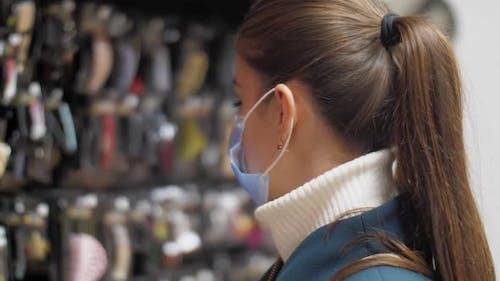 Professional Shopper Looks at Different Rhinestone Jewelries