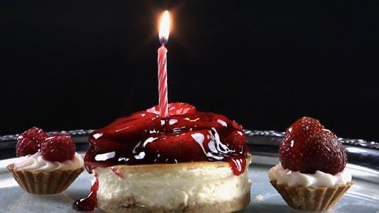 Thumbnail for Obstkuchen und Geburtstagskerze