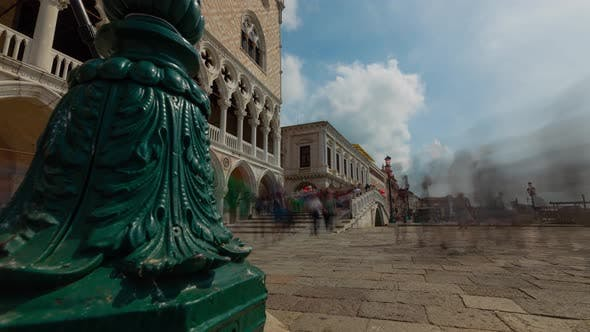 Thumbnail for Time lapse of the crowds of people in Venice Italy