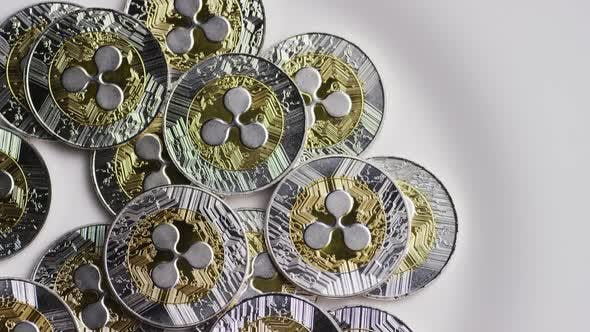 Thumbnail for Drehender Schuss von Ripple Bitcoins (digitale Kryptowährung) - BITCOIN RIPPLE 0041