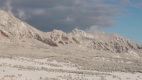 Thumbnail for Time lapse of the mountains near Boulder Colorado