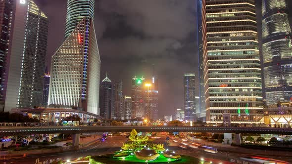 Cover Image for Shanghai Heavy Street Traffic Timelapse at Night Zoom Out